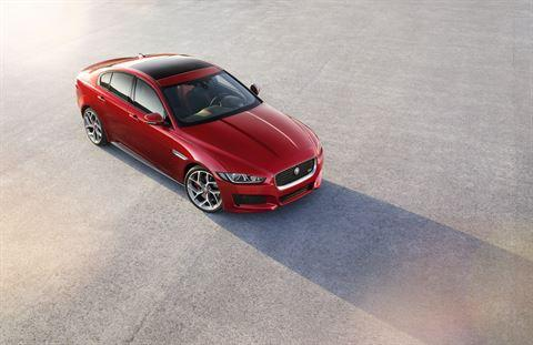 jag_xe_most_beautiful_car_award_image_280115_01_Poster