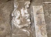 pierre tombale datant avant découverte Grèce