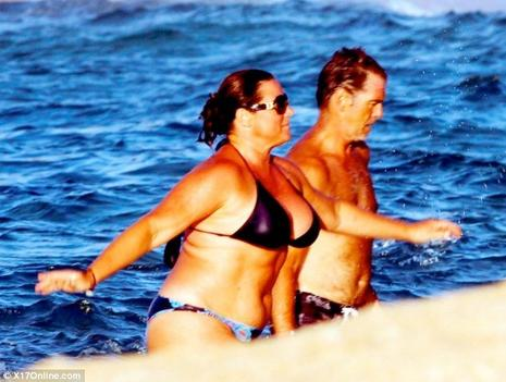 Pierce Brosnan et Keely Shaye Smith en vacances