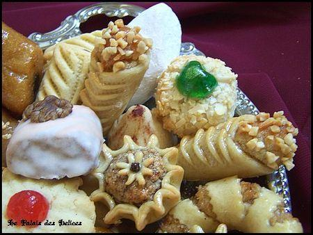 Assortiment de pâtisseries algériennes traditionnelles
