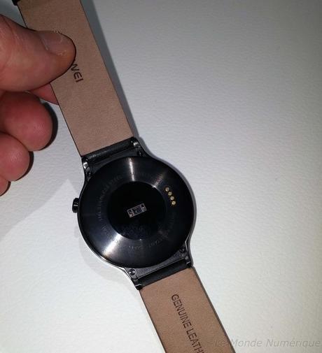 MWC 2015 : Huawei lance sa première montre connectée, la Huawei Watch