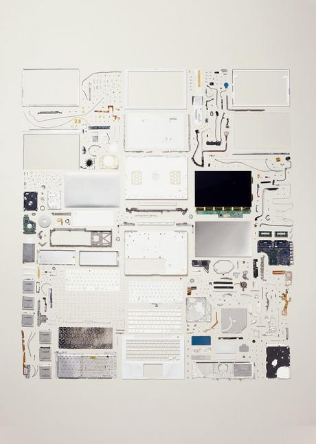 Things come apart de Todd McLellan / photo via Colossal