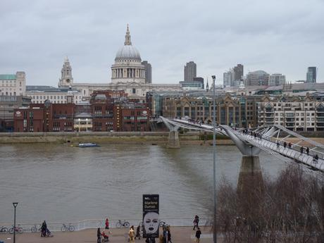 millenium bridge st paul cathedral