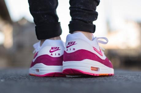 """Nike WMNS Air Max 1 Essential """"Fireberry"""""""