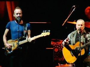 Paul Simon &; Sting On Stage Together- Antwerps Sportpaleis- le 23 mars 2015