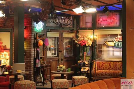 warner bros studios los angeles friends central perk
