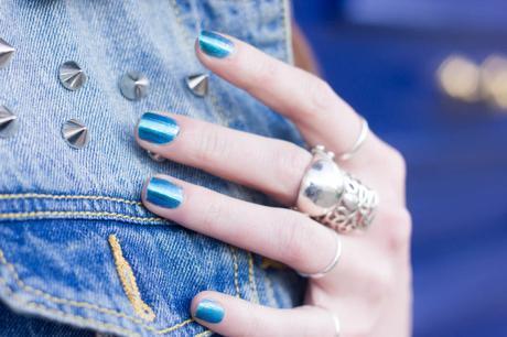 vernis bleu paillettes