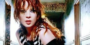 Shirley Manson (Garbage) dans Terminator : The Sarah Connor Chronicles