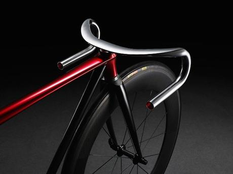 Ultra-Minimalist-Bicycle-by-Mazda_1-640x478