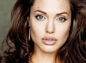 SOIS BELLE TAIS-TOI Angelina Jolie dénonce l'inefficacité l'ONU en…Syrie.