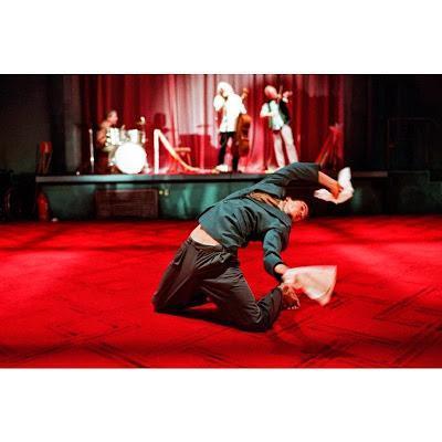 Dance 2015: la compagnie PEEPING TOM présente deux spectacles au Festival munichois de danse contemporaine