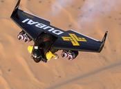 JetMan s'éclate Dubai dans nouvelle vidéo Young Feathers