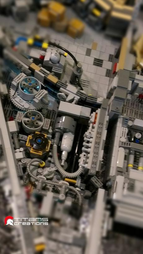 Un Faucon Millénium de plus de 10 000 pièces de LEGO créé par des passionnés