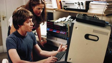 Jennifer Mack (Ally Sheedy) et David Lightman (Matthew Broderick) dans WarGames (Image: MGM).