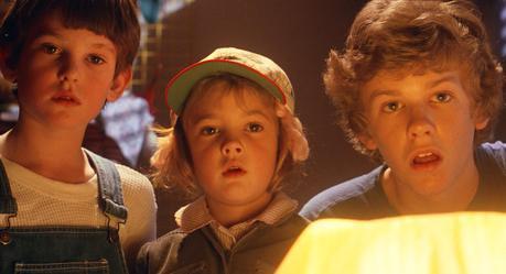 Elliott (Henry Thomas), Gertie (Drew Barrymore) et Michæl (Robert MacNaughton) dans E.T. The Extra-Terrestrial (Image: Universal Pictures).