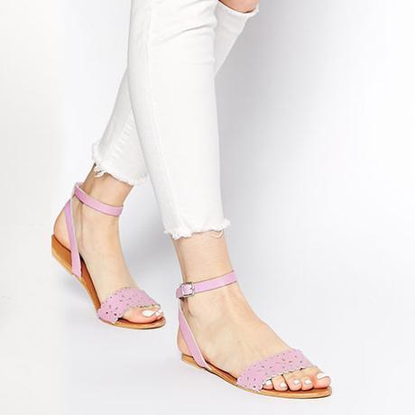 Sandales découpées en cuir