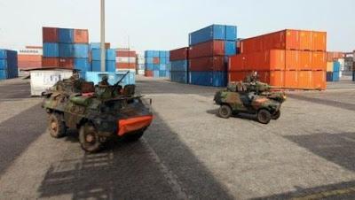 L'ONU-CI débarque 110 pickups au Port d'Abidjan, d'autres véhicules et du matériels de guerre attendus