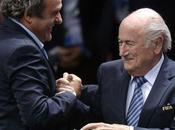 L'IMAGE JOUR. Faux-cul: Michel Platini félicite Sepp Blatter après réélection