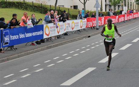 Le vainqueur Charles Korir