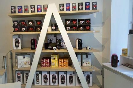 Machines à café A MODO MIO Lavazza Tasses et boites à café Lavazza