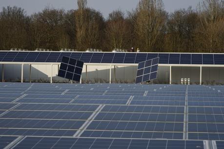 Comment construit-on une centrale photovoltaïque ?