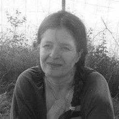 Interview d'Azel Bury, une auteure révélée après un concours d'écriture !