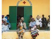 Comment améliorer l'accès soins médicaux Afrique?