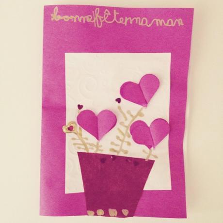 Jolie carte rose pour la fête des mères