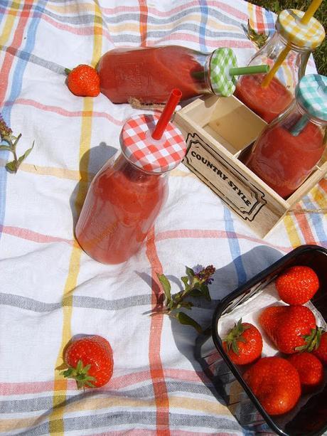 Smoothie au thé vert, pêches, fraises, etc... [Battle Food #33]
