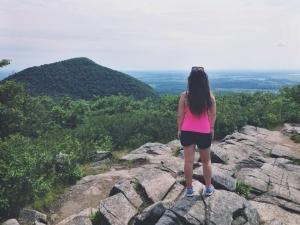 I'm on top of the world! Ou plutôt au top du Mont saint-hilaire. Mieux que rien!