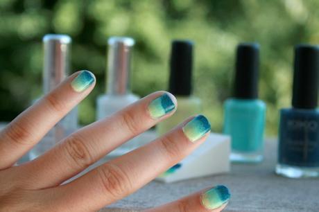 Mon premier nail art dégradé : Sea and Sun sur mes ongles avec Née Jolie !