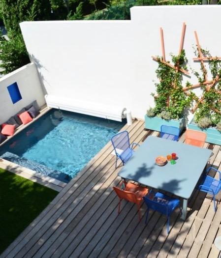 piscine dans un petit jardin id es et inspirations. Black Bedroom Furniture Sets. Home Design Ideas