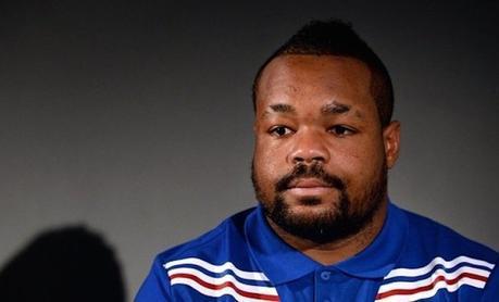 Découvrez le livre « Tête haute » du rugbyman Mathieu Bastareaud