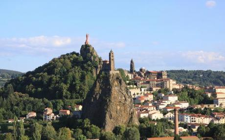 large-01281739_panorama-du-puy-en-velay