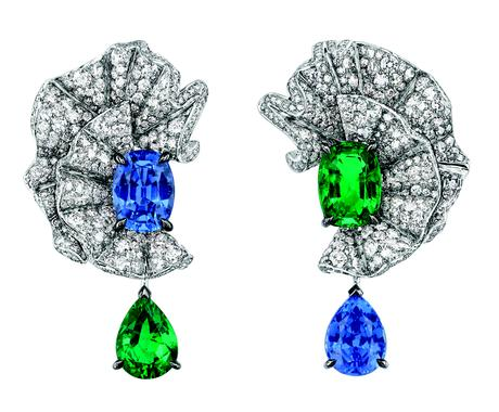 VOLANT ÉMERAUDE EARRINGS JCAD93020 750/1000 white gold, diamonds, sapphires and emeralds