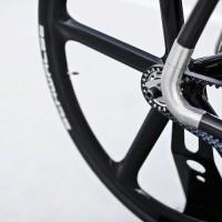 Velonia présente son vélo en fibre de carbone «Vicks»
