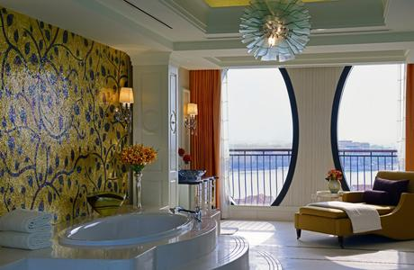 The Ritz-Carlton Abu Dhabi, Grand Canal Royal Suite Bathroom canal view