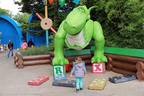 Rex-toys-story-disneyland-paris
