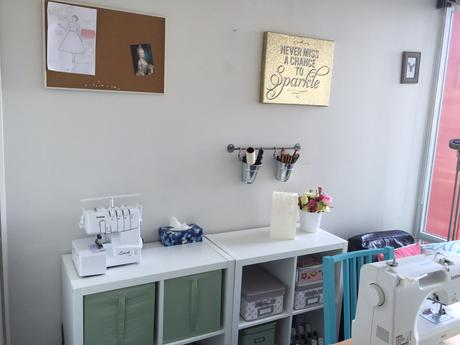 A little tour of my teeny tiny craft room
