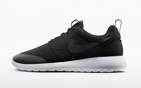 collection NIKEiD Warm and Dry Roshe One