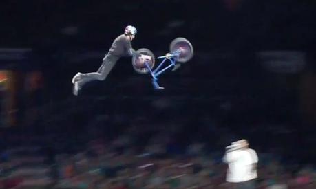 Découvrez le premier «Front Bike Flip» réalisé en BMX