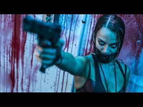 Bianca Bradey dans le rôle de : Brooke
