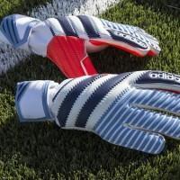 Adidas rend hommage aux gardiens de but avec ses gants «History Pack»