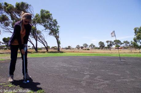 nullarbor_links_golf_australie
