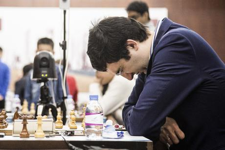 Contre performance du Russe Vladimir Kramnik (2796) qui annule avec les Blancs face au Polonais Kacper Piorun (2637) - Photo © site officiel