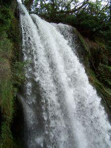 Monast_re_de_Piedra_cascade_Cola_del_Caballo