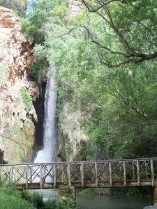 Monast_re_de_Piedra_et_cascade_Cola_del_Caballo