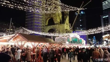 Weihnachtsmarkt-an-der-Kaiser-Wilhelm-Gedächtnis-Kirche
