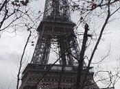 Rouge, jaune, rouge rose) puis taupe... Tour Eiffel