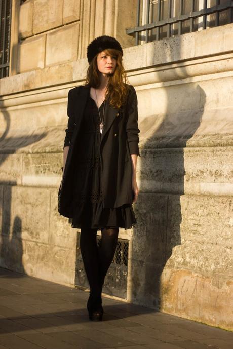 look noir robe